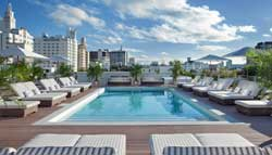 "Der Pool des ""The Redbury Hotel"" in Miami"